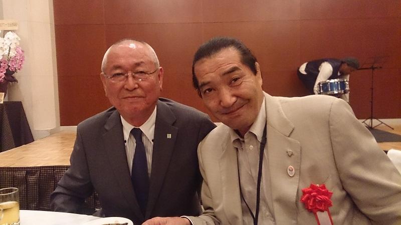 また久しぶりに松浪健四郎先生ともお話ができ、来年の日体大125周年記念... 有限会社薔薇園植物